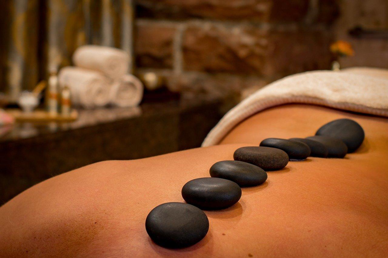 Masaż relaksacyjny- sposób na psychiczny komfort dla każdego